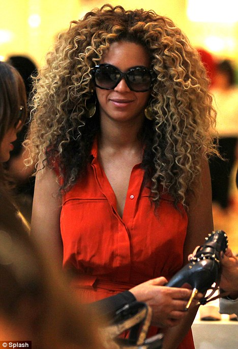 Beyonce goes shopping